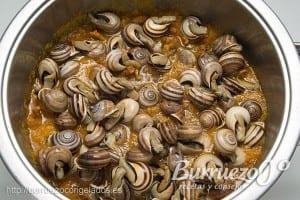 Hacer los caracoles en salsa