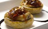 Alcachofas con foie y cebolla caramelizada