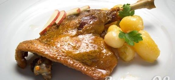 Receta de confit de pato al horno con patatas confitadas for Pato a la naranja al horno
