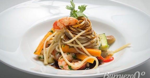 Espaguetis salteados con gambas de Burruezo congelados