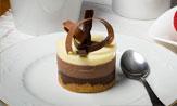 Mini tarta de tres chocolates